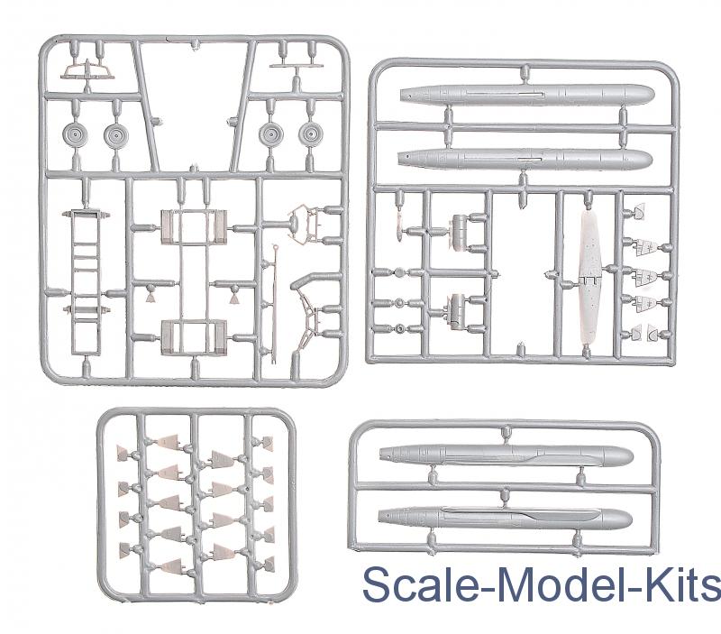 AS-15 Kent Strategic Missile Aircraft 1//72 model kit Amodel 72127 X-55 /& X-55M